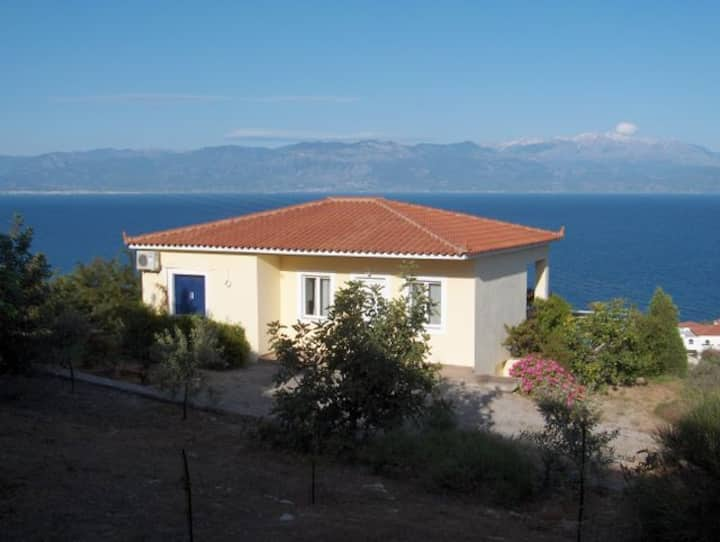 Villa Thalia, Private Pool, Sea View.EOT licensed.