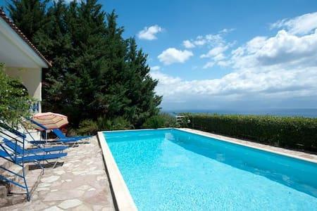 Villa Katerina, Sea Views and Pool - Kalamaki