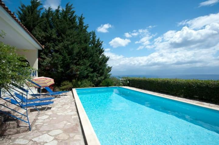 Villa Katerina,Sea View,Private Pool.EOT licensed.