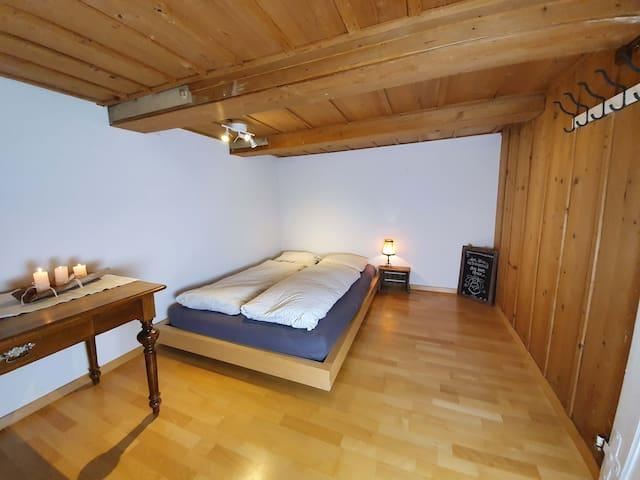 Gästezimmer in 200 Jahre altem Emmentalerhaus