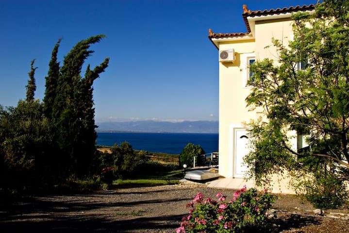 Villa Eleni, Sea Views and Pool - Kalamaki - Villa