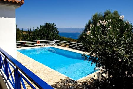 Villa Calliope with private pool - Kalamaki