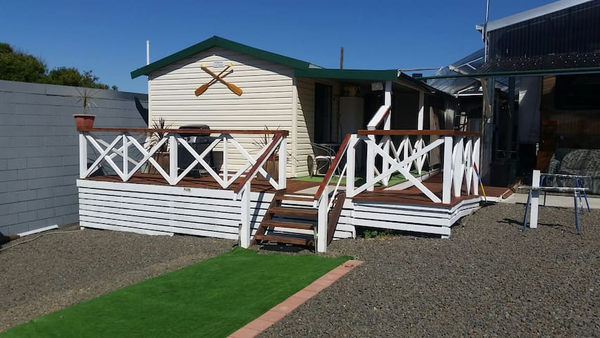 Cottage between HOBART & port ARTHUR+ hire car$45.