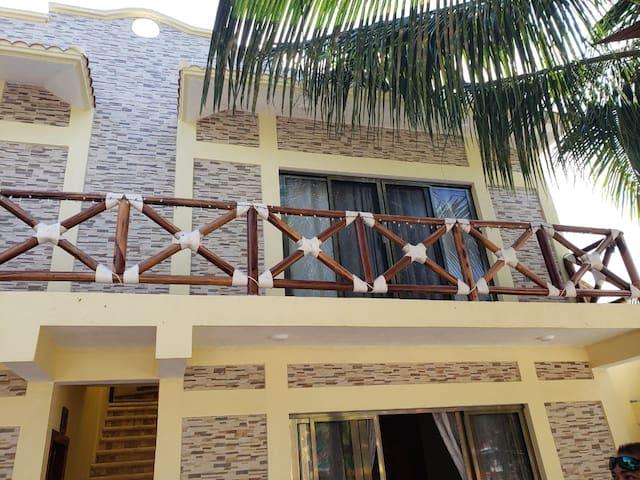 3. Casa Vera Estudio en primer piso