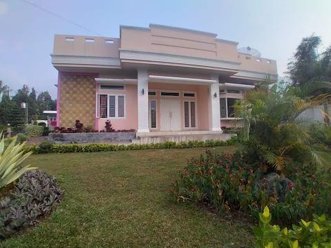 Villa Coolibah Melinda Kv 406 Cipanas