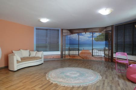 Romantic studio close to the beach. - Paphos