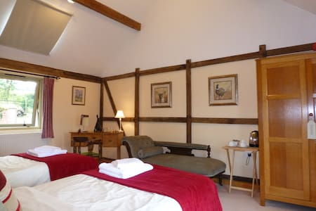 Lake Farm B&B, Pool Quay, Welshpool - Welshpool