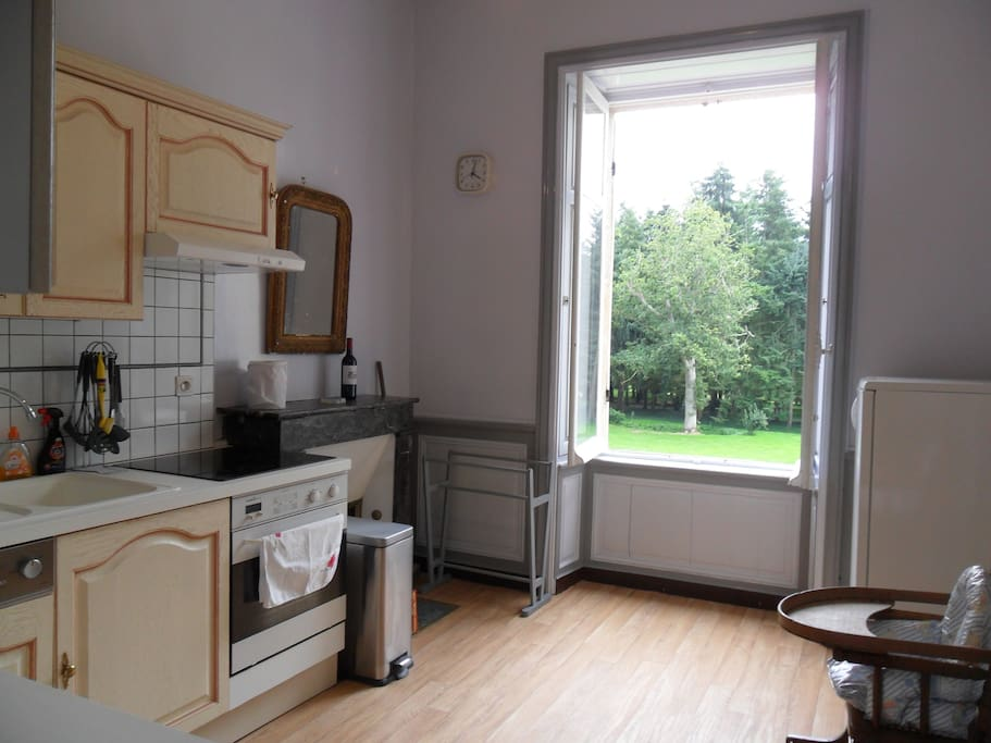 Full equipped kitchen (1/2)