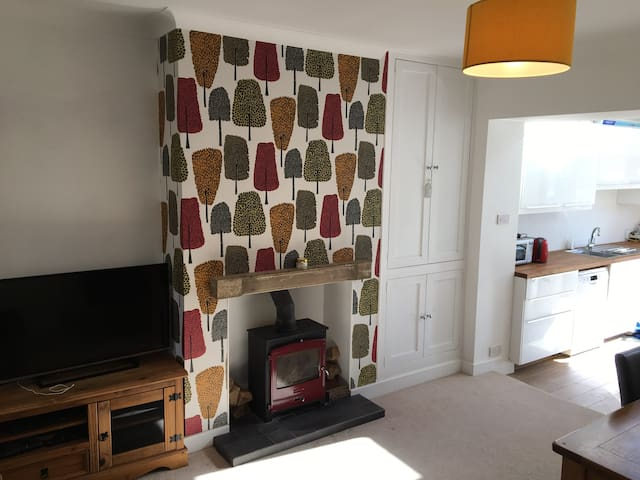Modern, spacious 3 bedroomed house. - Hathersage - Dom
