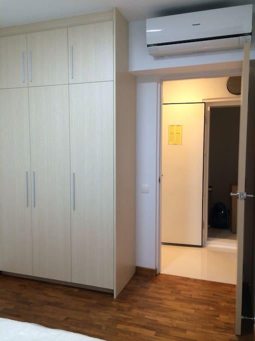 Build in wardrobe & new Air-con