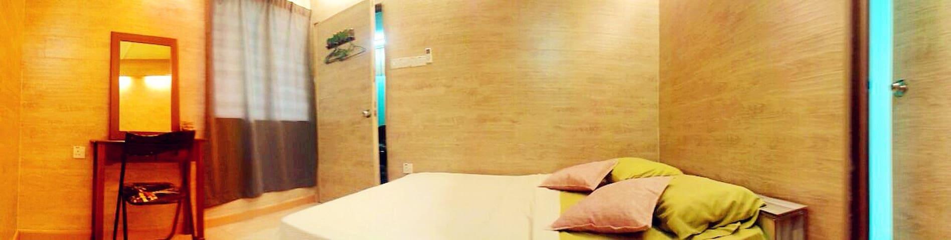 Sixty Courtyard :Villa Delux 8 Room - Ipoh - Villa