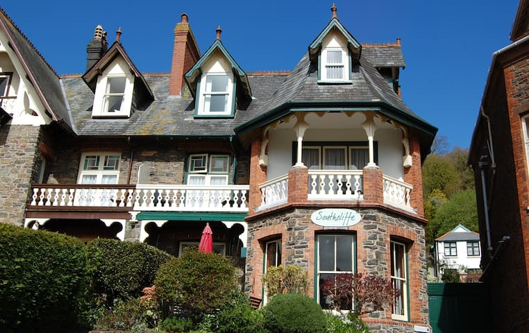 Southcliffe Bed and Breakfast - Lynton - Гестхаус