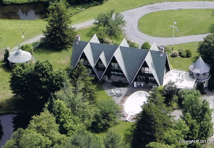 Spacious AAA chalet!! - Mansonville - Chalet