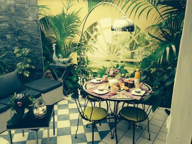 Chambres de 2 à 8 personnes - Claye-Souilly - Casa