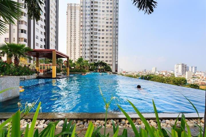 Homie Apt with Sky Pool in Nguyen Huu Tho D7