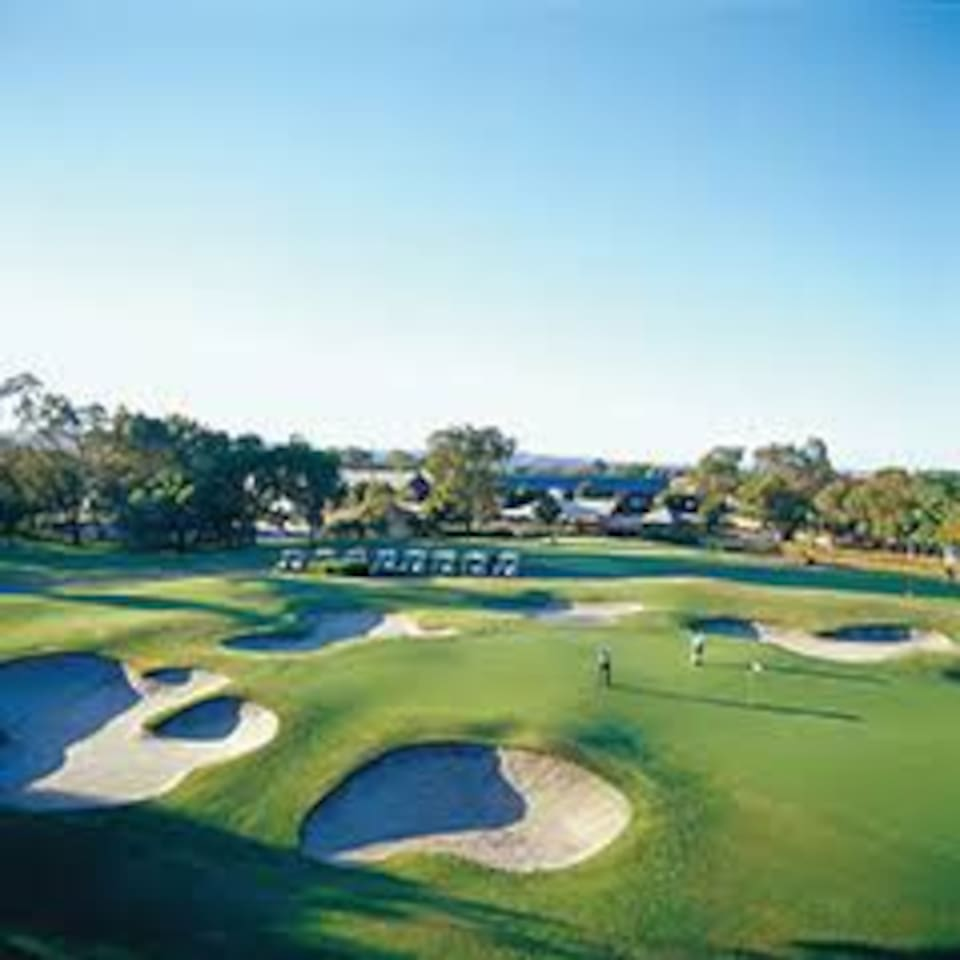Local golf course in The Vines 5 minutes away