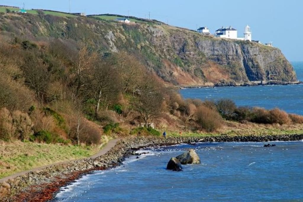 An undiscovered joy, full of all amenities. From a Victorian railway station to shops, cafes and bars. All at the mouth of Belfast Lough, including The Gobbins Path.