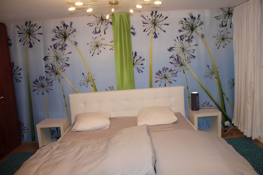 Schlafzimmer: das Bett