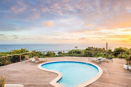 Sunset Views, Unique Shell-Shaped Pool, Loungers, Alfresco Dining, Large Terrace, Free Wifi