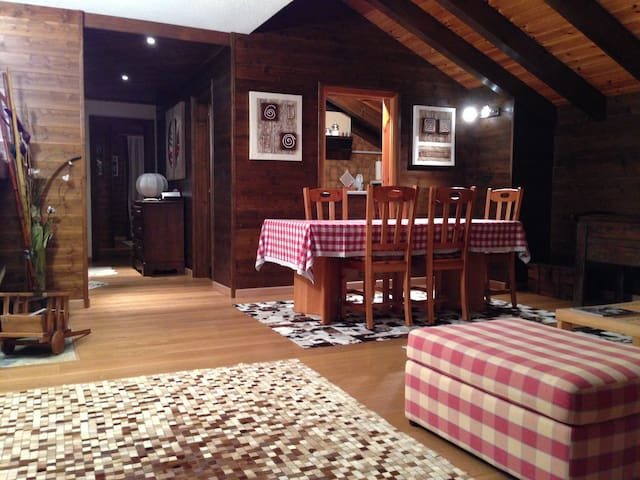 Crans Montana apartment in chalet - Crans Montana - Apartamento