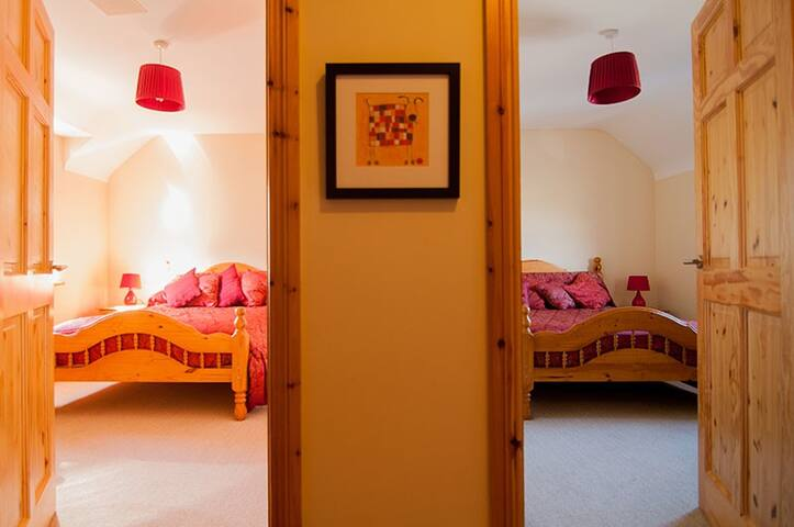 2 Bedroom townhouse in the heart of Doolin Village - Doolin - Αρχοντικό