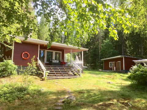 Familyfriendly lakefront cabin 1hr from Helsinki