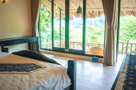 Deluxe room in Bungalow -  Sunrise Village