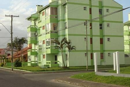 CAPÃO NOVO. Apartamento no Loreley