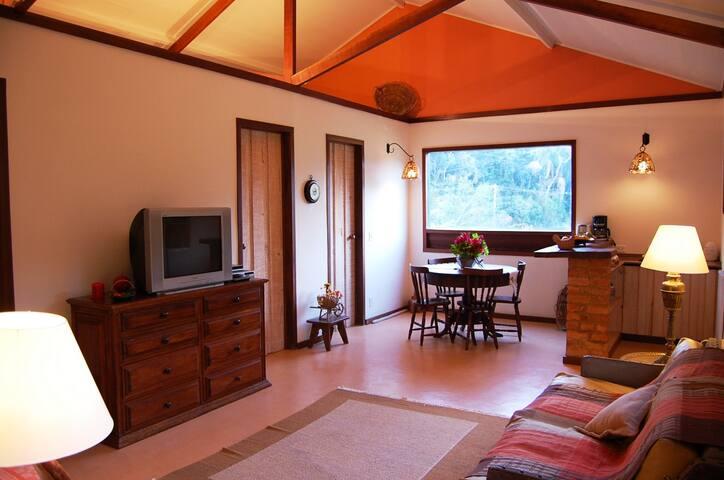 Charmoso Chalé em Fazenda Histórica - Vassouras