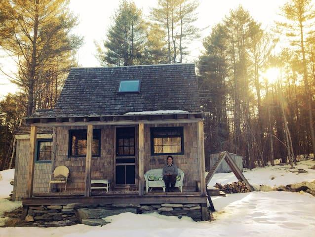 Cozy off-grid cabin - Bethel