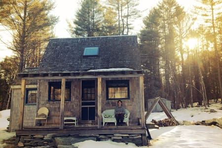 Cozy off-grid cabin - Bethel