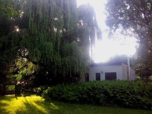 Ferienhaus in großem Garten bei See Raus aufs Land - Wusterhausen/Dosse - Bungalow