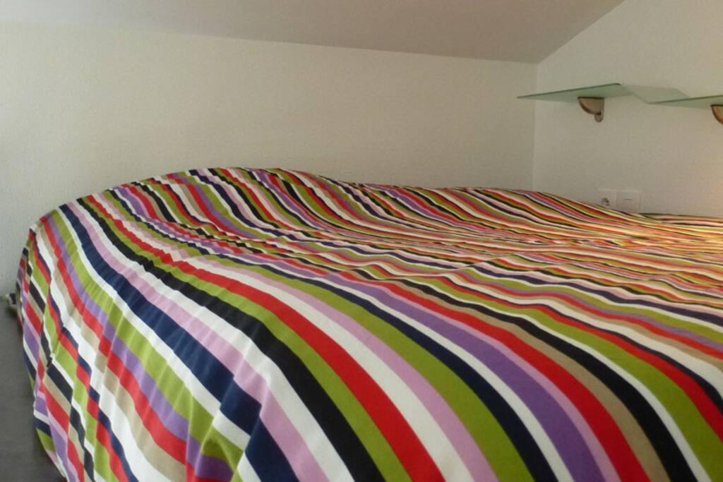 Un vrai lit deux places...