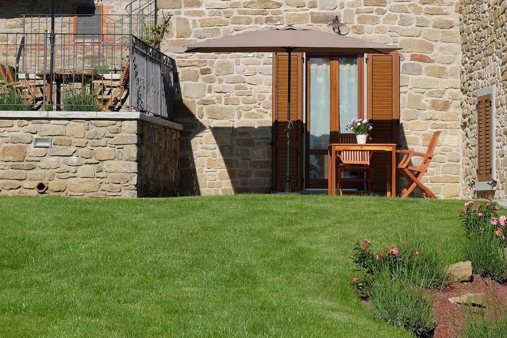 Il patio soleggiato di Casina Gelsomino