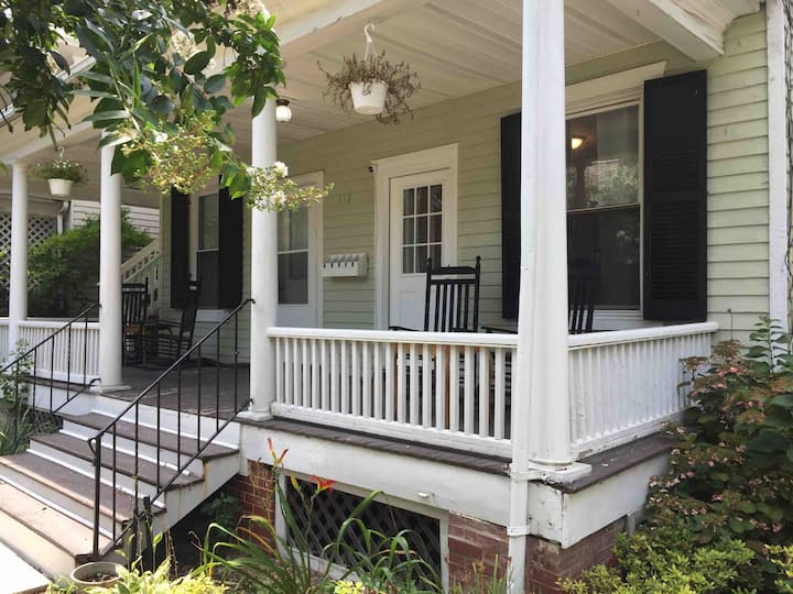 1-br apt 2 blocks from downtown Chestertown