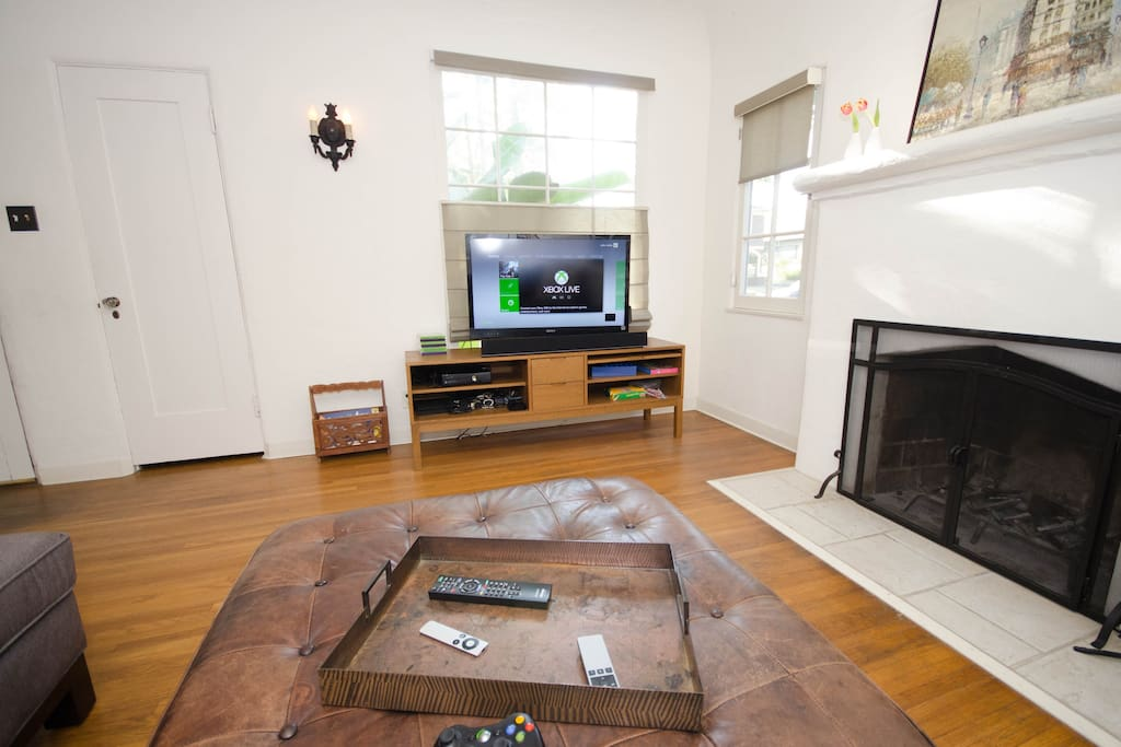 Enjoy Apple TV, Netflix, Xbox 360 game console, and over-the-air digital stations on the flat screen TV. (note: no cable TV).