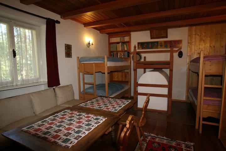 B&B Villa Dolomites  Tyrolean Stube