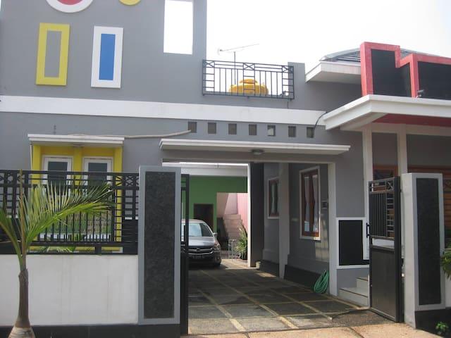 Pelangi Guest House - Probolinggo