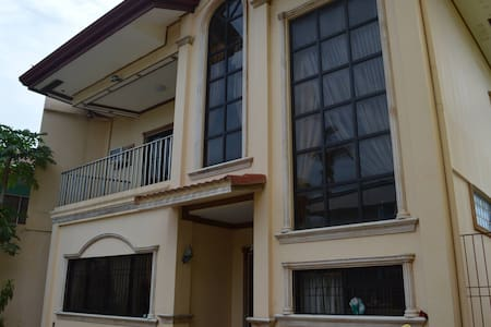 3 Bedroom, 4 baths house for rent - Cebu City