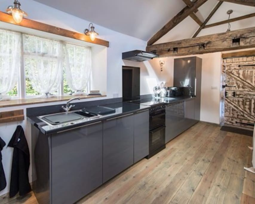 The smithy plompton knaresborough with hot tub vacation for Perfect kitchen harrogate