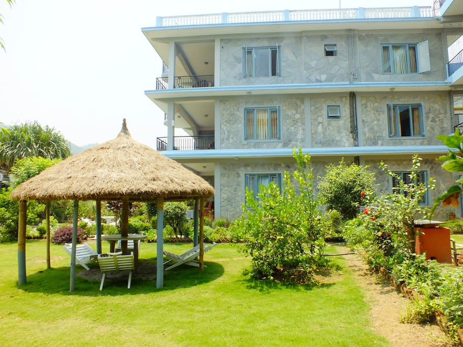 Hotel greenland pokhara lakeside chambres d 39 h tes for Chambre d hotes champagne region