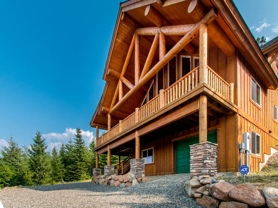 Panoramic tree top view log cabin cabins for rent in cle for Washington state cabins for rent