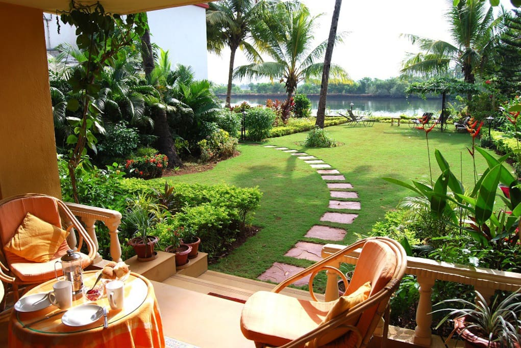 Relax in the terrace and enjoy breathtaking views of River Sal and the garden