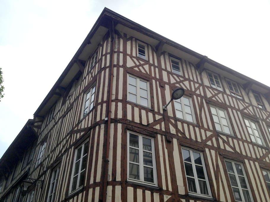 Un immeuble traditionnel ancien rénové en 2017
