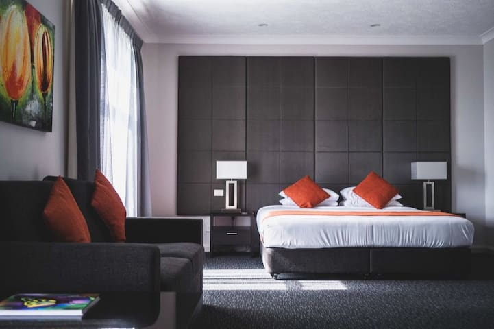 Boutique hotel-Cairns CBD Superior Room 2/3 guests