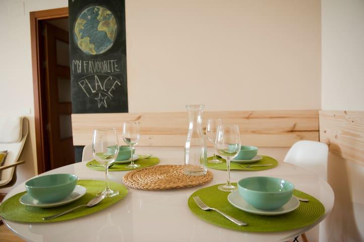APARTAMENTO CON PARKING Y WIFI - Salamanca - Daire