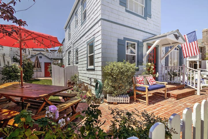 1929 Original Beach Cottage, Balboa - Newport Beach - Hus