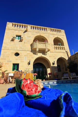 """Ta' Annie farmhouse,"" 4  bedrooms - Xewkija gozo  - Vila"