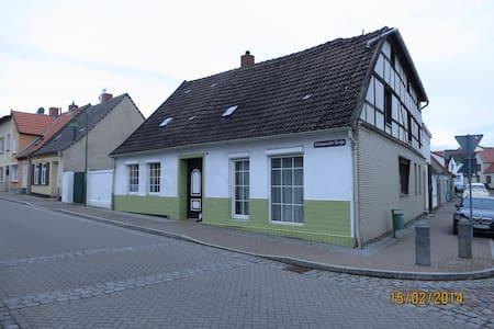 Ferienhaus für bis zu 8 Personen - Kröpelin - Дом