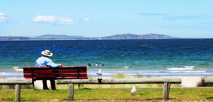 Kingston Beach-House Retreat